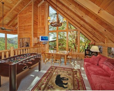 Large cabin w/game room, indoor/outdoor fireplaces, jetted tub, and pool access - Pigeon Forge