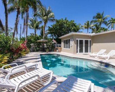 Elegant 4BR Heated Pool Minutes to Hollywood Beach - Hollywood Lakes