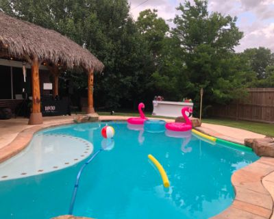 Pearland Paradise- Salt Water Pool And Palapa, Pearland, TX