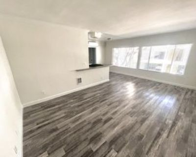 802 N West Knoll Drive #107, West Hollywood, CA 90069 1 Bedroom Apartment