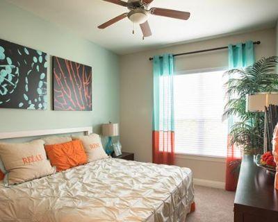 1755 Crescent Plaza Drive Houston, TX 77077 2 Bedroom Apartment Rental