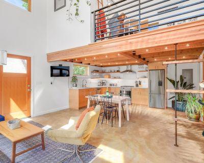 Beautiful Alberta Guesthouse | Full Amenities + AC - Concordia