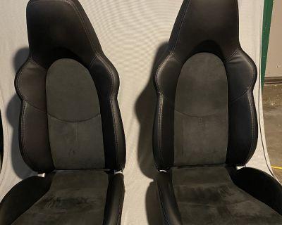 Stock 997.2 GT3 Alcantara seats