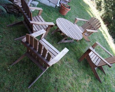 Cedar Patio Set, table and 4 chairs