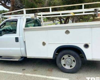 2007 Ford Super Duty F-350 Chassis Cab XL
