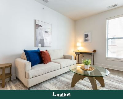 Landing | Modern Apartment with Amazing Amenities (ID267650) - Mile Square