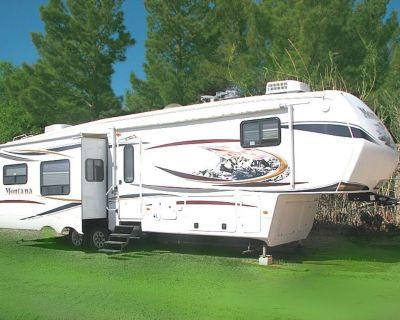 2012 Keystone Montana Hickory 3700RL     ITS A DEAL!   $39,995