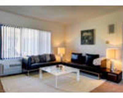 Castillian Apartments - 3 Bedroom 2.5 Bath