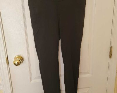 Thyme Maternity Pants Size Small