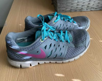 Shoes for women size 9.5
