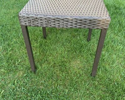 Metal frame wicker end patio table in EUC