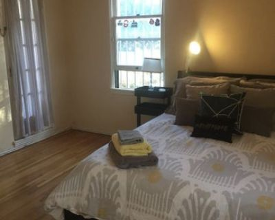 Double Room in 2 bed apartment in Los Angeles