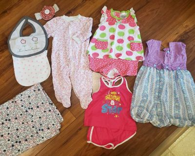 Girl baby clothes lot 0-6 m