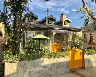 PINEAPPLE BUNGALOW @ The OCEAN *Stay Safe-Vacation in your own Home by the Sea! - Old Towne
