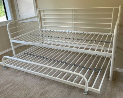Trundle Bed -Daybed