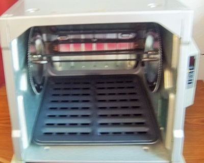 Showtime platinum Edition Rotissorie RONSON oven. Like-new- Holds 2 chickens.