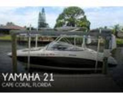 22 foot Yamaha 21