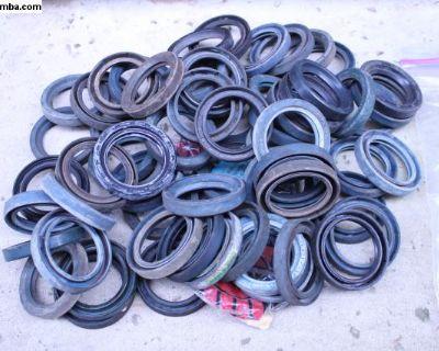 New NOS Rear Axle Seals 113 501 315
