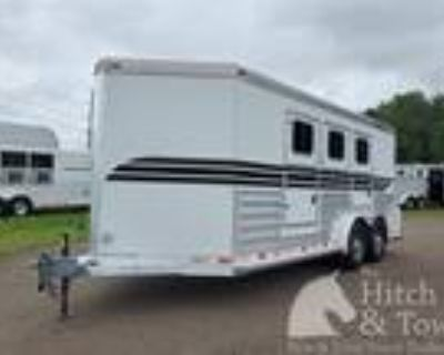 2008 4 Star VERY NICE 2008 4 STAR DELUXE 3 HORSE BUMPER PULL! 3 horses