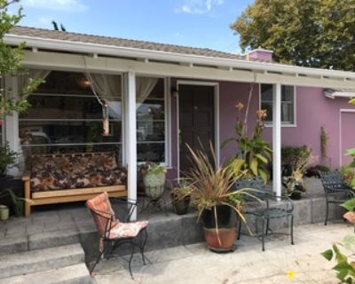 Room in quiet shared Ranch House near Stanford RWC Clinics