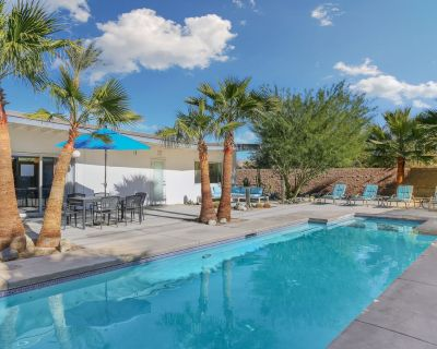 Iconic, Wexler-designed, mid-century home w/ 50-foot pool & attached spa! - Palm Springs