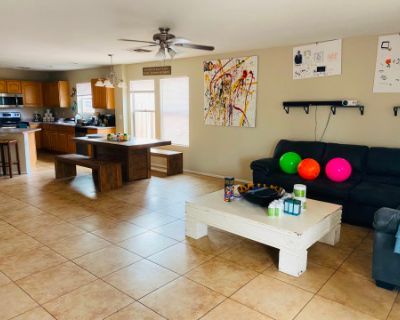 Bungalow Kitchen with Poolside Views, Phoenix, AZ