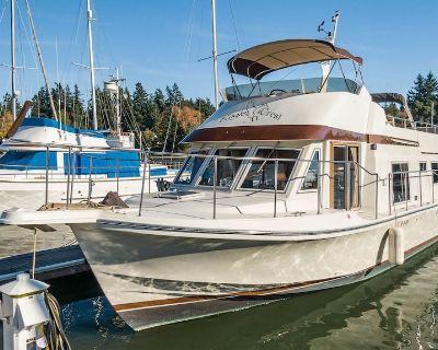 Classic 45' Yacht on Historic Quartermaster Harbor - Vashon Island