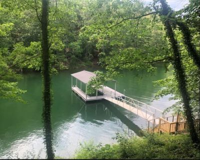 Lake Front,Dock,7mi to Lake Point,Private, Serenity Lake-Minded,Lake Allatoona - Bartow County
