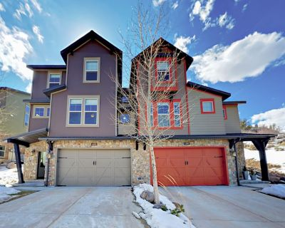 Luxe Retreat at Jordanelle w/ Private Hot Tub - Near Slopes & Main Street - Heber City