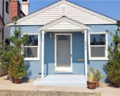 209 4th St, Seal Beach, CA 90740 2 Bedroom Apartment