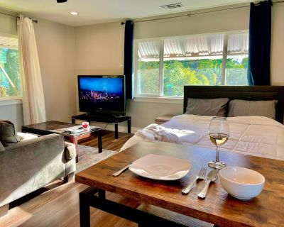 The Sunset Studio - A Picturesque Stay - Citrus Heights