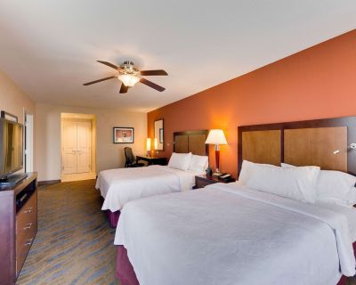 2-Bedroom Suite at Homewood Suites by Hilton Fort Worth - Medical Center, TX by Suiteness - Fort Worth