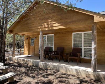 River Cabin West, 1BR/1BA, Sleeps 4, Front Porch - Ingram