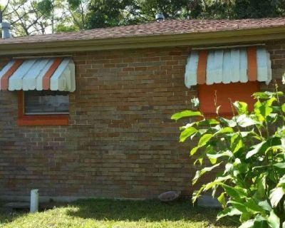 $750 City park/Bayou St.John/Delgado/Fairgrounds. Roommate Housing