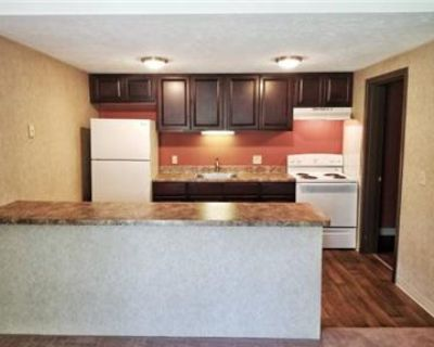 ZERO FEES, REDUCED RENT, MOVE TODAY!