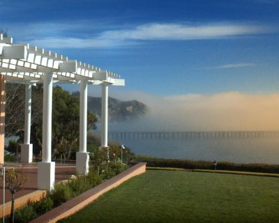 Deluxe Suite w/ Resort Outdoor Heated Pool & Hot Tub, Onsite Spa Services & More - Avila Beach