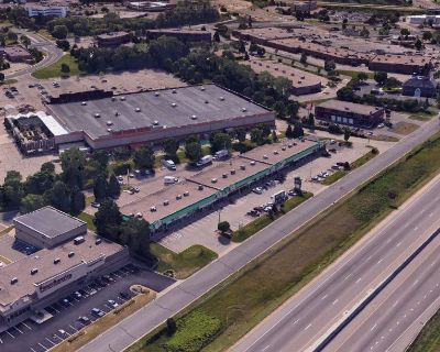 Big or Small - Retail Space for Lease w/Prime Visibility Along I-35W -