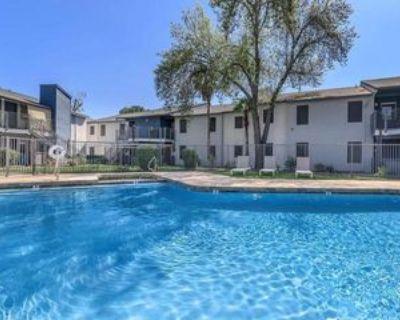 17625 N 7th St, Phoenix, AZ 85022 3 Bedroom Apartment