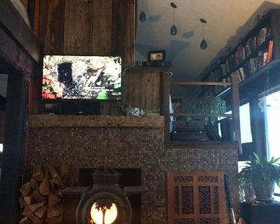 4 Br Eclectic Ski House W/Hot Tub Only Minutes to Sugarbush and More! - Mad River Valley