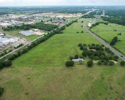 22.8 Acres of frontage on Business 6 truck route/Will Divide