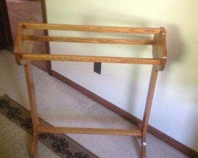 Quilt rack / add'l clothing rack