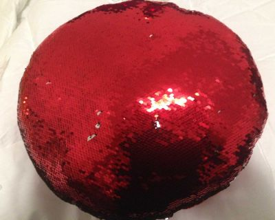 Sequin Magic Pillow. Red and Silver, Brand new, Create your own design Reg.25.99 Sale 10.00