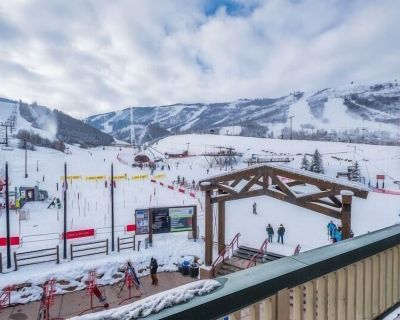 It's true! Amazing deal on the closest ski in/ski out family retreat with high end finishes at the base of Park City Mountain. Overlooks the Pay Day Lift. Can't get any closer to the snow. Great views, private patio. - North Park City
