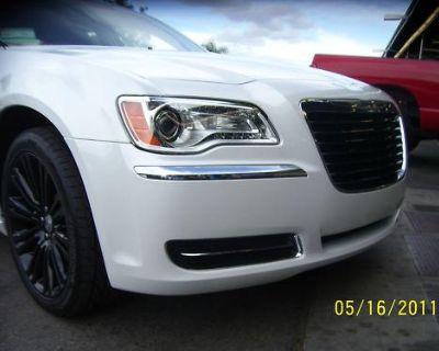 2011 2012 Chrysler 300 300c Grille Assembly Mopar 82212557