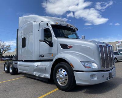 2019 PETERBILT 579 Sleeper Trucks Truck