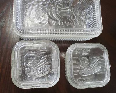 1950s glass veggie/fruit storage containers