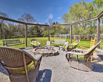 NEW! Smoky Mountain Lodge: Luxe Sevierville Escape - Sevierville