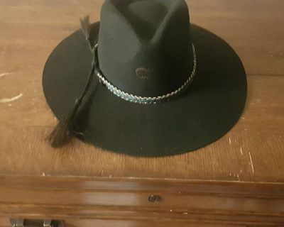 Western ladies hat, new, size small