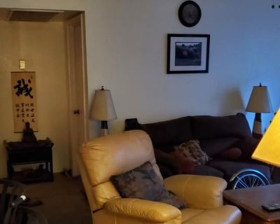 Private room with own bathroom - Tempe , AZ 85283