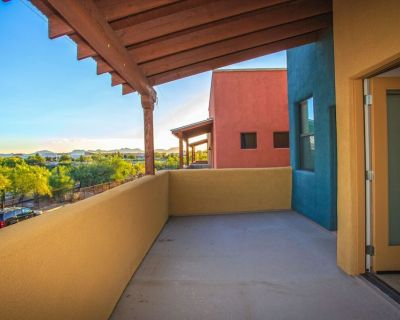 *SANITIZED*Heart of Tucson 3 BR Home/ COM Pool/ Rillito River Walk - Catalina Foothills